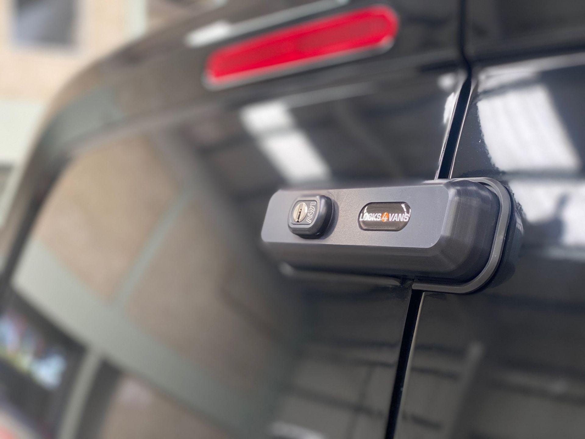 Citroen Berlingo 2019> Statement Lock
