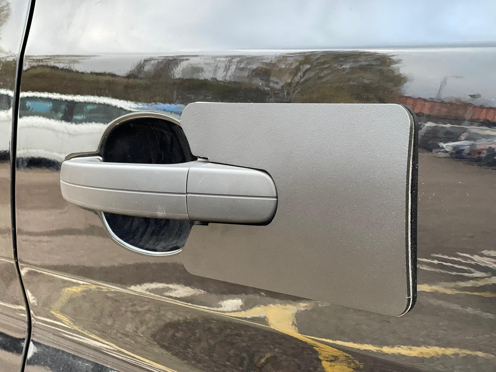 Ford Transit 2014> Handle Shield