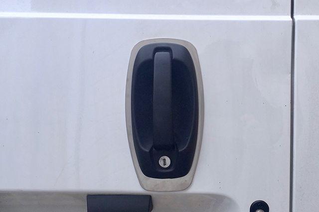 Fiat Fiorino 2008> Handle Shield